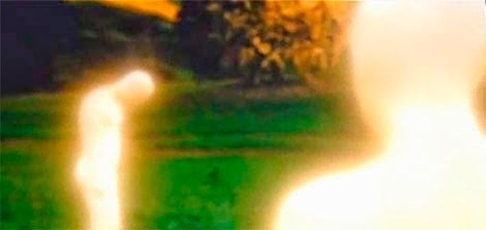 Adán-y-Eva-en-cuerpos-de-luz--Noe-de-Aronofsky